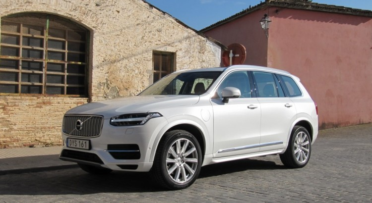 2016 volvo xc90 review price seating options suvs with 3rd row seating help. Black Bedroom Furniture Sets. Home Design Ideas